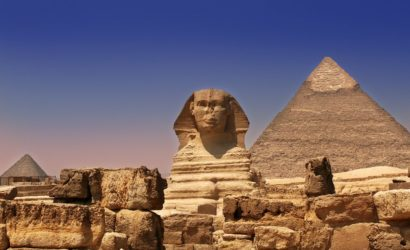 picture of Ancient Sphinx and pyramids in Egypt