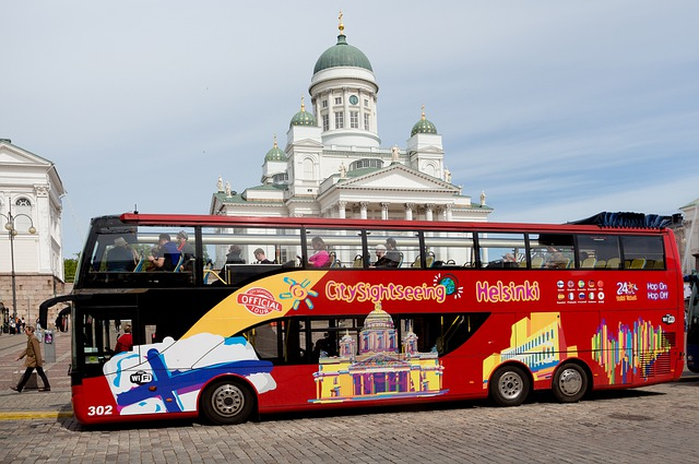 Picture of the brightly colored hop-on/hop-off tour bus