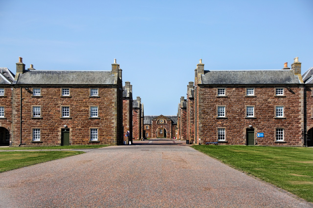 Picture of the red brick Barracks at St George